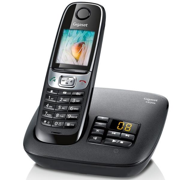 7c8b61c634c376 Existe aussi en blanc. En plus de son répondeur numérique de 55 minutes  d enregistrement, le téléphone sans fil Gigaset C620A possède ...